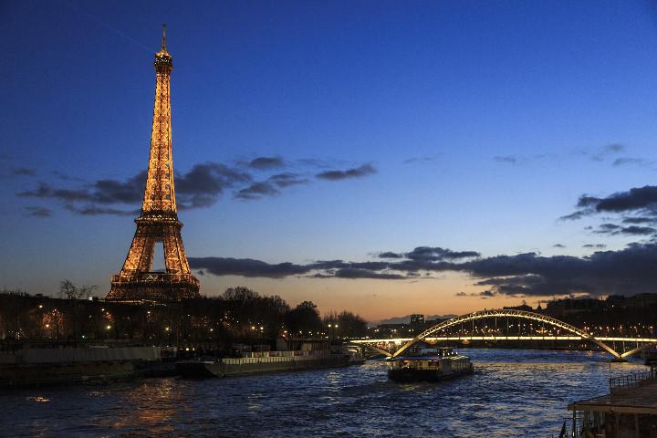 Bateau de croisière Paris
